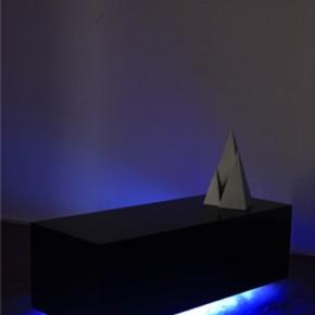 To live is to die | 2010 | Madera, pintura uretana y luces de neón | Galería Revolver