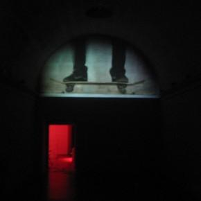 To live is to die | 2010 | Madera, pintura uretana y luces de neón