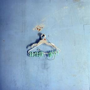 Tres ganchos | 2008 | Inyección de tina sobre papel de algodón | 90x90cm
