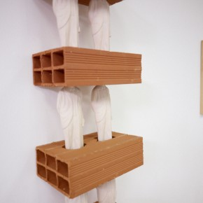 "El objeto específico ""Stacks"" | 2012 | Acuarela sobre papel | 40 x 30 cm | Escultura de bloques de arcilla y cerámica | 185,5 x 30 x 20 cm"