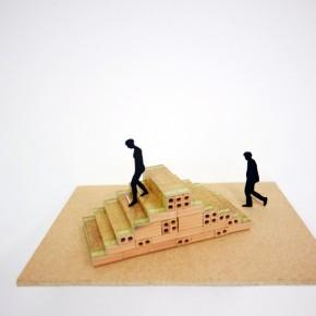 La escalera pensante (Monumento a Henri Bergson) | 2012 | Acuarela y tinta sobre papel (Proyecto de escultura) | 40 x 30 cm | Maqueta de arcilla cocida, impresión sobre papel fotográfico | 8 x 23,5 x 11 cm