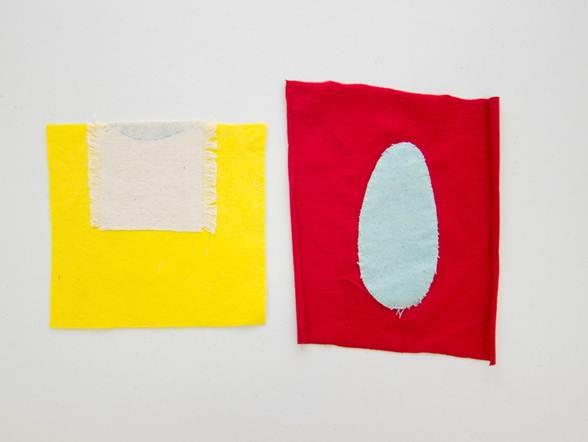 Óvalo y mitad de óvalo | 2012 | Apliques teñidos con azul de metileno y tinta acrílica sobre soporte textil | 20,5 x 19 21,5 x 24 cm