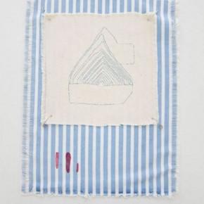 Sin titulo Azul/rojo | 2012 | Hilos entretejidos sobre lona de algodón y marcador | 37,5 x 28,5 cm