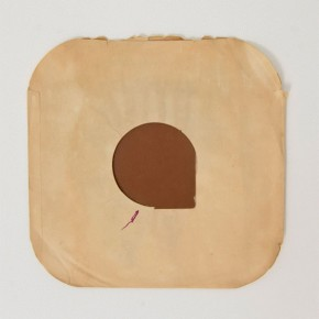 S/T | 2012 | Ensamblaje/papel | 30 cm x 30 cm
