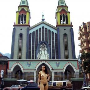 Intervención a la Iglesia La Coromoto | 2012 | Fotoasalto | Inyección de tinta sobre papel fotográfico semisatinado Edición de 8 + PA 60 x 87 cms. Fotografía de Marcos Bell