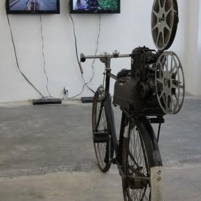 Ley de proximidad | 2013 | Video a dos canales | 27' | Vista de sala