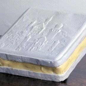 LAR (objeto sandwich) | 1996 / 2013 | Yeso y resina | Edición de 3 21 x 21 x 7 cm