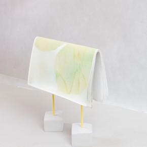 2. Hang | 2013 | Yeso, metal, 16 canvas, pintura de caucho y pintura en aerosol | 47 x 40 x 13 cm