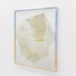 25. Rag #2 | 2013 | Yeso, tela, vidrio, aluminio y pintura en aerosol | 35,8 x 28,5 x 2 cm