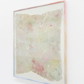 26. Rag #3 | 2013 | Yeso, tela, vidrio, aluminio y pintura en aerosol | 48,5 x 38,5 x 2 cm