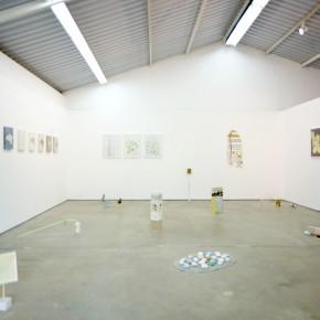 Vista de sala | Sin título con amarillo