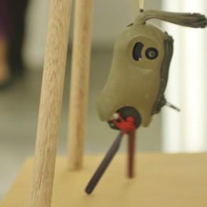 Parodia sobre escape | Danza | 2011 | Ensamblaje de materiales diversos | 40cm x 35cm x 35 cm