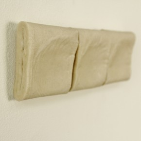 Parodia sobre escape | Registro de impacto | 2011| Ensamblaje de materiales diversos | 10 cm x 30 cm x 3 cm