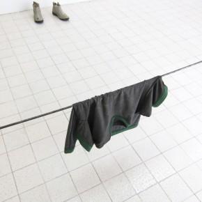 Ensayo de dominio |Sal de cuerpo |2013 | Obra proceso | Franela, sudor.