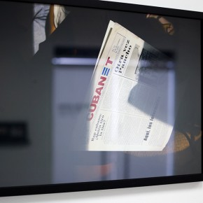 Vista en sala | Cubanet | Serie Lecturas difíciles | 2009-2010 | Fotografía digital s/papel fotográfico Kodak Endura | 60 x 42 cm
