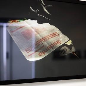 Vista en sala | Disidente | Serie Lecturas difíciles | 2009-2010 | Fotografía digital s/papel fotográfico Kodak Endura | 60 x 42 cm