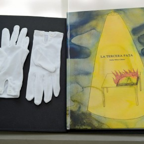 La tercera pata | 2008 - 2011 | Libro (Escáner de documentos y textos de escritores en el exilio) | cerrado : 36 x 26 cm / abierto: 36 x 52 cm | Copia de artista (Edición de 5)
