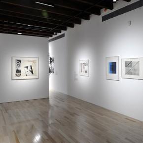 Claudio Perna (Izq.) | Anna Bella Geiger (Der.) | Vista de exposición en Museo Amparo | Fotografía: Carlos Varillas