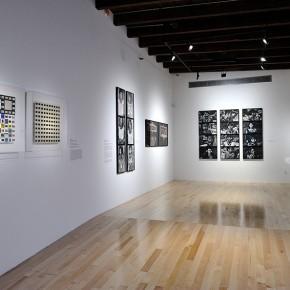 Luis Zerbini (Izq.) | Claudia Andujar (Der.) | Vista de exposición en Museo Amparo | Fotografía: Carlos Varillas