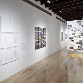 De izq. a der.: Flavia Gandolfo, Jonathan Hernández, Jorge Macchi | Vista de exposición en Museo Amparo | Fotografía: Carlos Varillas