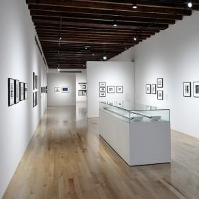 Suwon Lee (Centr.) | Vista de exposición en Museo Amparo | Fotografía: Carlos Varillas
