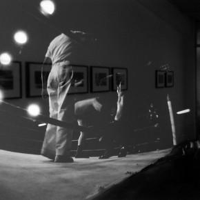 11. Sin título A1. De la serie Lucha demasiado libre | 1967-2014 | Tomada en el Palacio de Deportes de Caracas en 1967 | Primera copia 2014 | Edición de 3 + PA | Sales de plata sobre gelatina | 8 x 10'