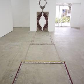 El origen de lo moderno | 2014 | Escultura (Alfombra seccionada) | Pared 370 cm / Piso 680 cm
